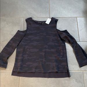 New Sanctuary cold shoulder camo sweatshirt S